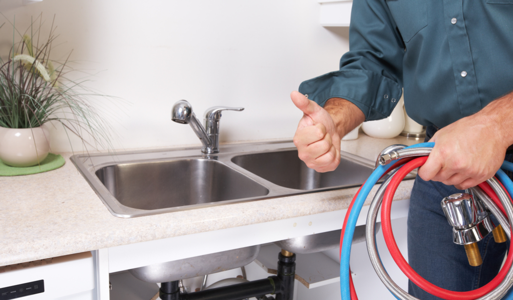 4 Plumbing Problems to Look for When Buying a House – Call in a ...