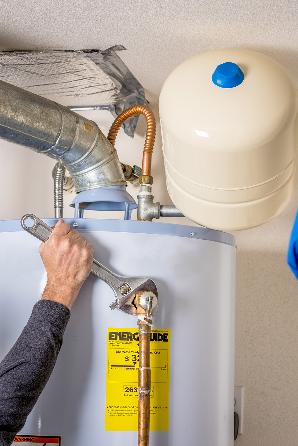 Is Your Water Heater Not Working Efficiently? | Plumbers in