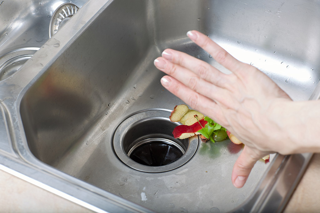 Garbage-Disposal-Do-You-Know-the-Proper-Use-of-It--_-Local-Plumbers-in-Cleveland,-TN