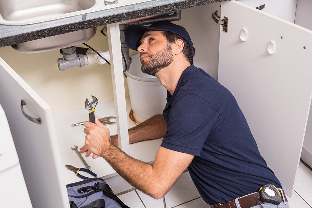 Things-to-Look-for-When-Hiring-a-Plumber-in-Chattanooga,-TN