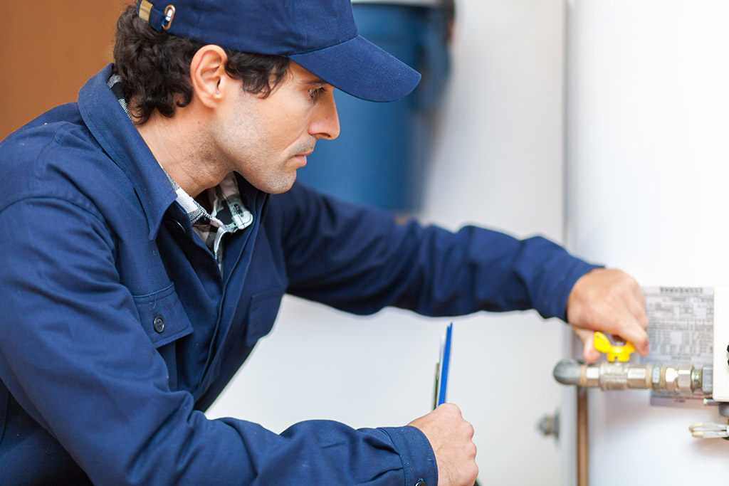 The-All-Important-Signs-that-You-Need-Water-Heater-Repair-in-Cleveland,-TN
