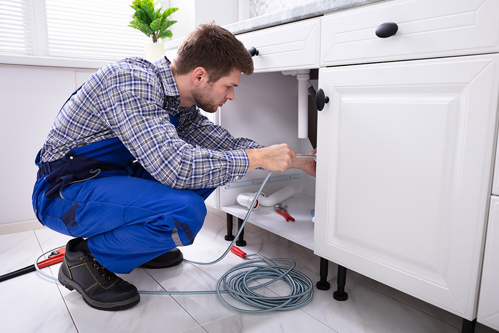 Common-Signs-That-You-Need-to-Call-for-a-Professional-Drain-Cleaning-Service-in-Chattanooga,-TN