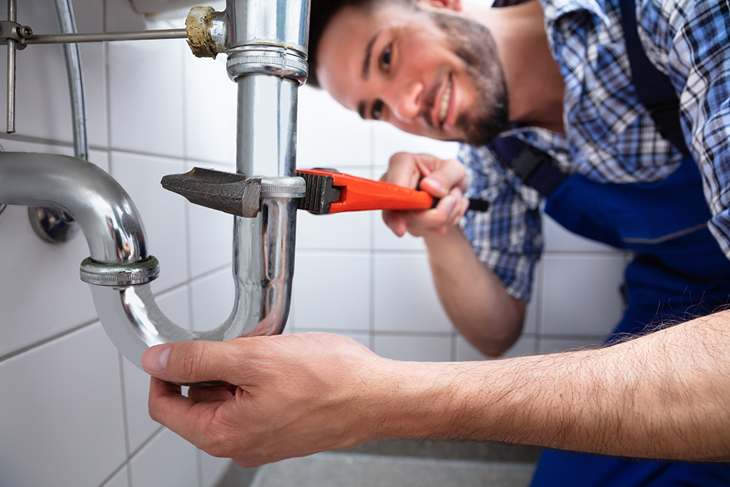 7-Things-to-Look-for-When-Choosing-a-Commercial-Plumber-in-Cleveland,-TN-