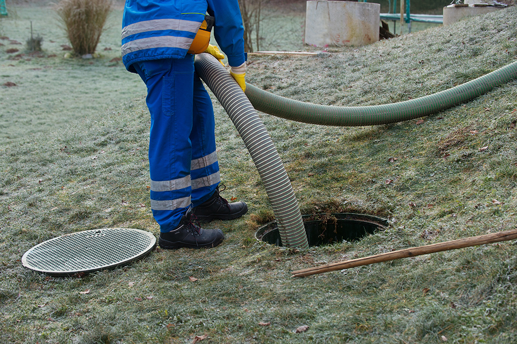 How-Do-You-Tell-if-Something-Is-Wrong-with-Your-Septic-System--_-Tips-from-Your-Chattanooga,-TN-Septic-Tank-Pumping-Professional