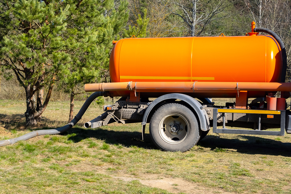 What-Is-Septic-Tank-Pumping-and-How-Does-It-Work--_-Chattanooga,-TN