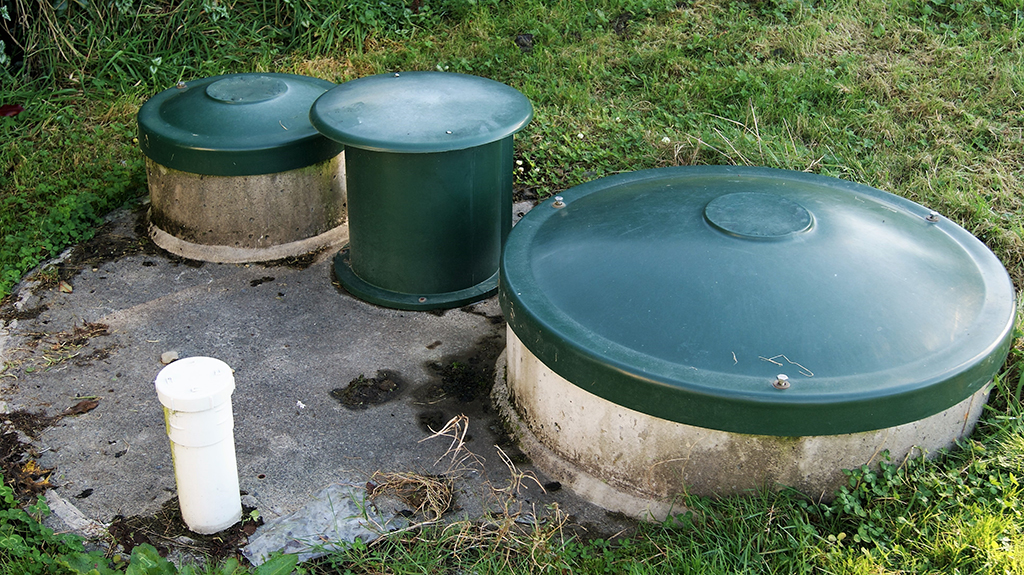 Draining-the-Waste-Water--What-You-Should-Know-About-Septic-Tank-Repair-_-Cleveland,-TN